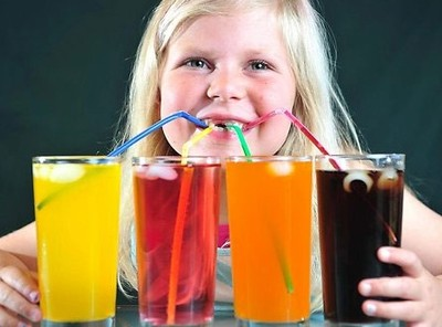 Các loại nước uống có ga, có chứa carbonat như soda có thể làm tăng nguy cơ bị ung thư thực quản.